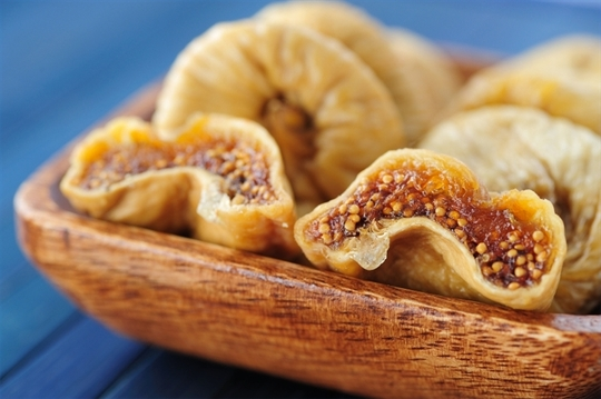 dried-figs-fresh